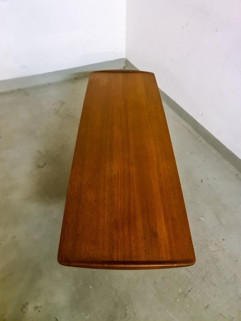 Midcentury Coffee Table by Kindt-Larsen for France and Daverkosen Denmark, 1960s For Sale 5