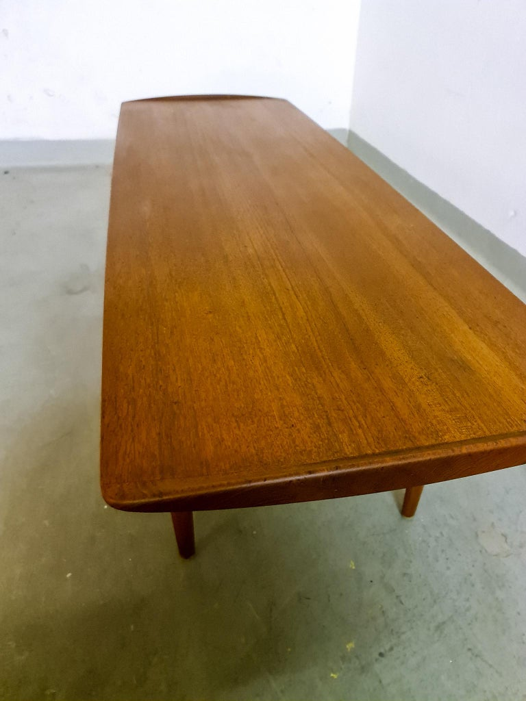 Midcentury Coffee Table by Kindt-Larsen for France and Daverkosen Denmark, 1960s In Good Condition For Sale In Langserud, SE