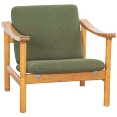 Jahrhundertmitte Dänischer Sessel aus Eiche und Stoff von Hans Wegner für GETAMA