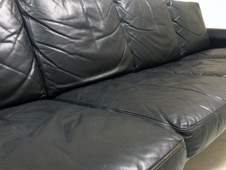 Midcentury Danish Leather 3-piece Lounge Suite by Komfort designed HW Klein 60s For Sale 4