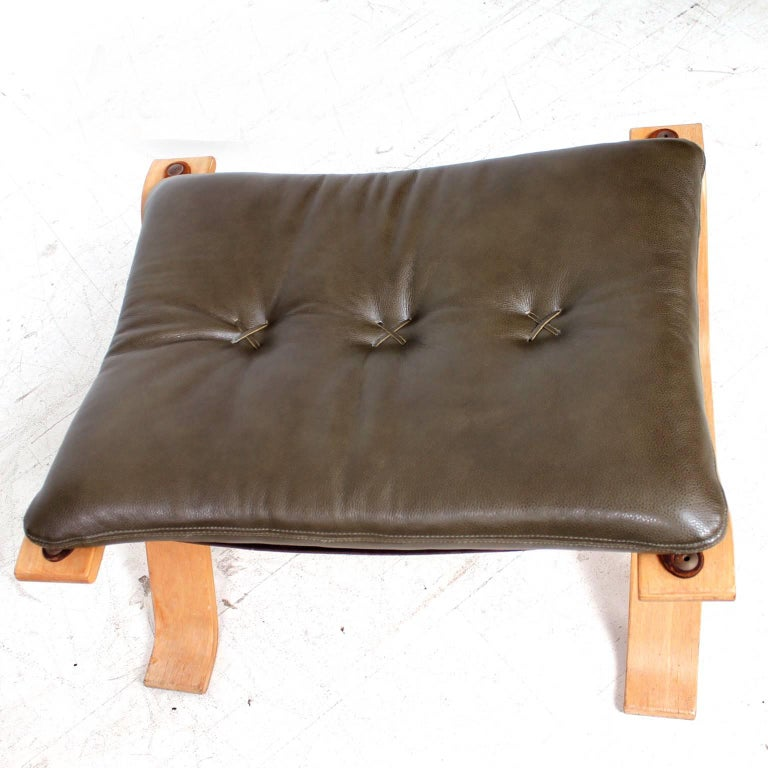 Midcentury Danish Modern Leather Ottoman, 1960s In Good Condition For Sale In National City, CA