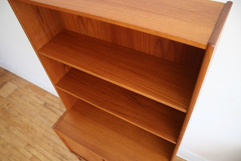 Midcentury Danish Modern Slim Teak Hutch In Excellent Condition For Sale In Brooklyn, NY