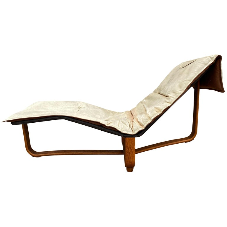 Midcentury Danish Modern Westnofa Leather Chaise Lounge Chair Ingmar Relling For Sale