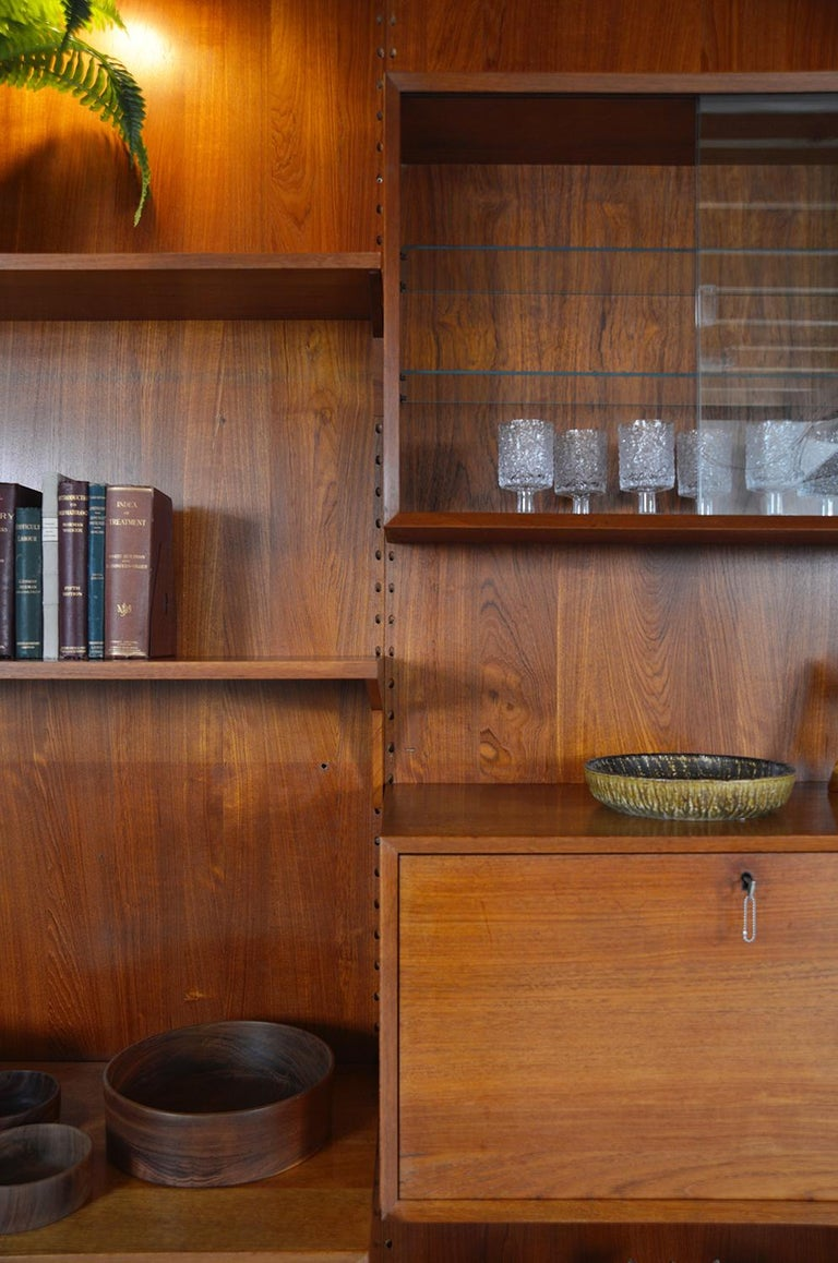 Midcentury Danish Teak System 'Cado' by Poul Cadovius Modular Wall Shelving 60s For Sale 4