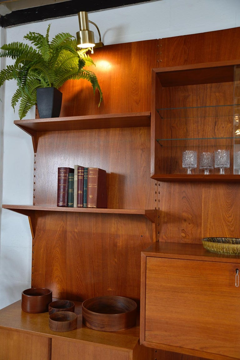 Midcentury Danish Teak System 'Cado' by Poul Cadovius Modular Wall Shelving 60s For Sale 5
