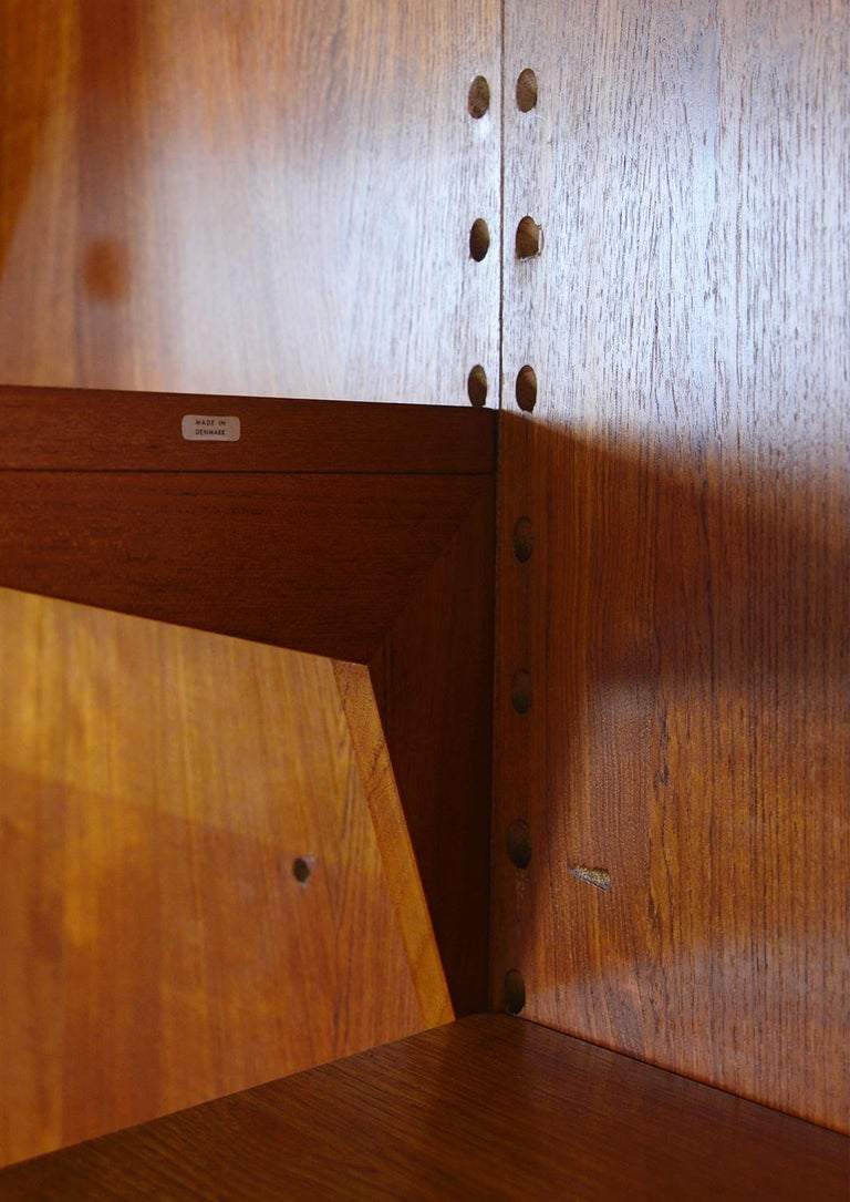 Midcentury Danish Teak System 'Cado' by Poul Cadovius Modular Wall Shelving 60s For Sale 6