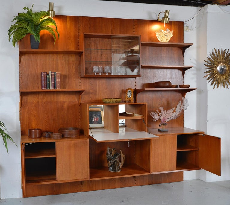 Midcentury Danish Teak System 'Cado' by Poul Cadovius Modular Wall Shelving 60s For Sale 1