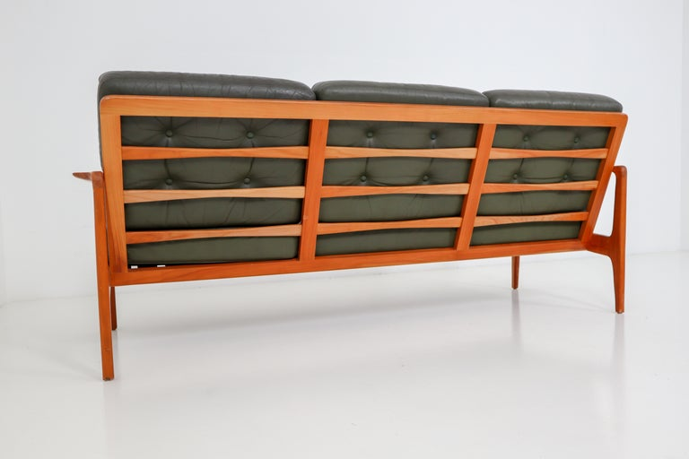 Midcentury Danish Three-Seat Sofa by Arne Wahl Iversen, Denmark, 1960s In Good Condition For Sale In Almelo, NL