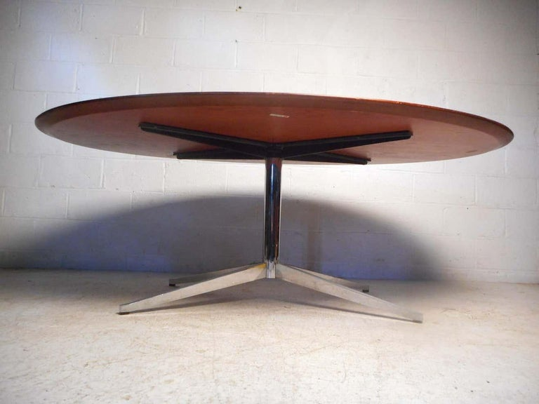 Mid-Century Modern Midcentury Dining or Conference Table by Knoll For Sale