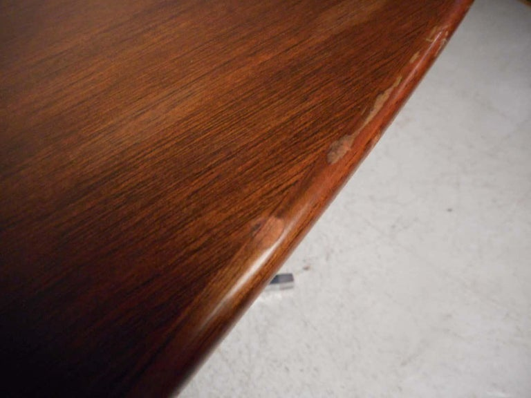 Midcentury Dining or Conference Table by Knoll In Good Condition For Sale In Brooklyn, NY