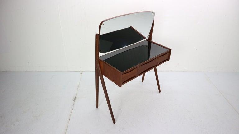 Scandinavian Modern Midcentury Dressing, Make Up Table by Arne Vodder, 1950s, Denmark For Sale