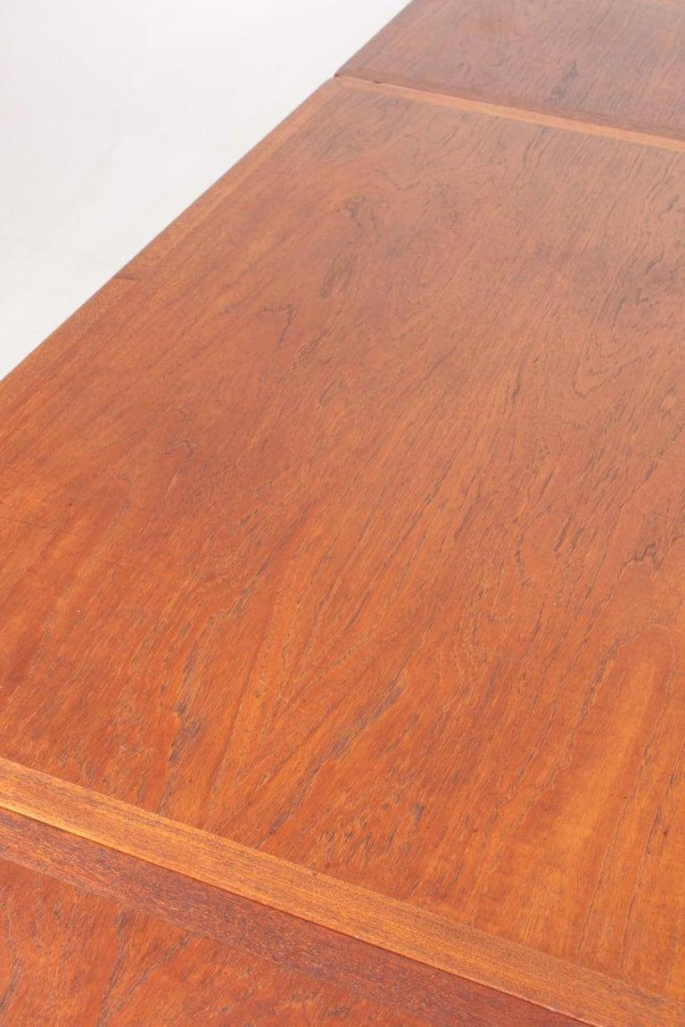 Midcentury Drop-Leaf Table in Teak Model l AT-304 by Hans Wegner, 1950 For Sale 4