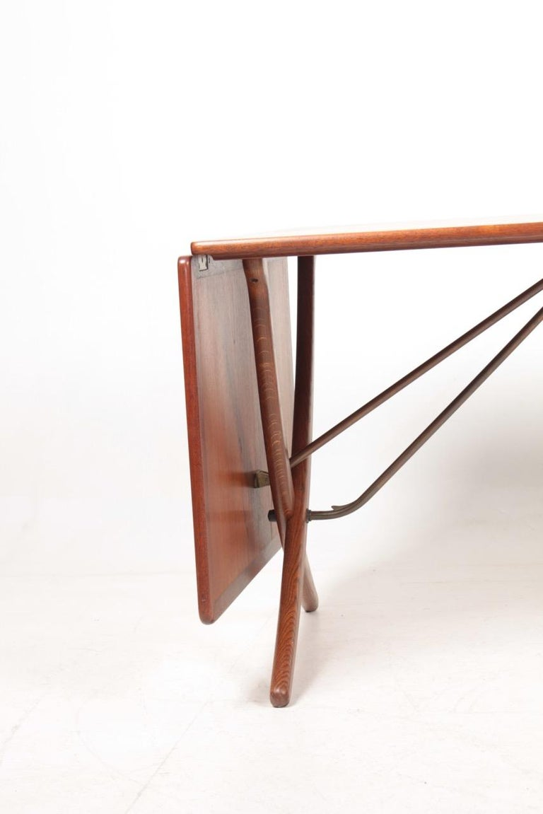 Scandinavian Modern Midcentury Drop-Leaf Table in Teak Model l AT-304 by Hans Wegner, 1950 For Sale