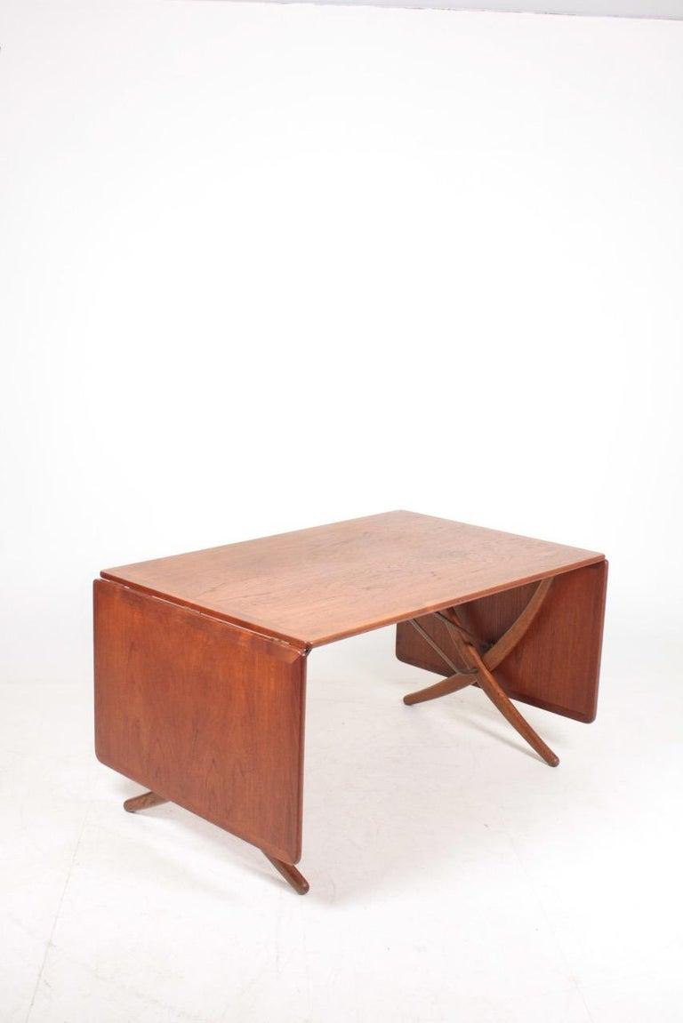 Danish Midcentury Drop-Leaf Table in Teak Model l AT-304 by Hans Wegner, 1950 For Sale