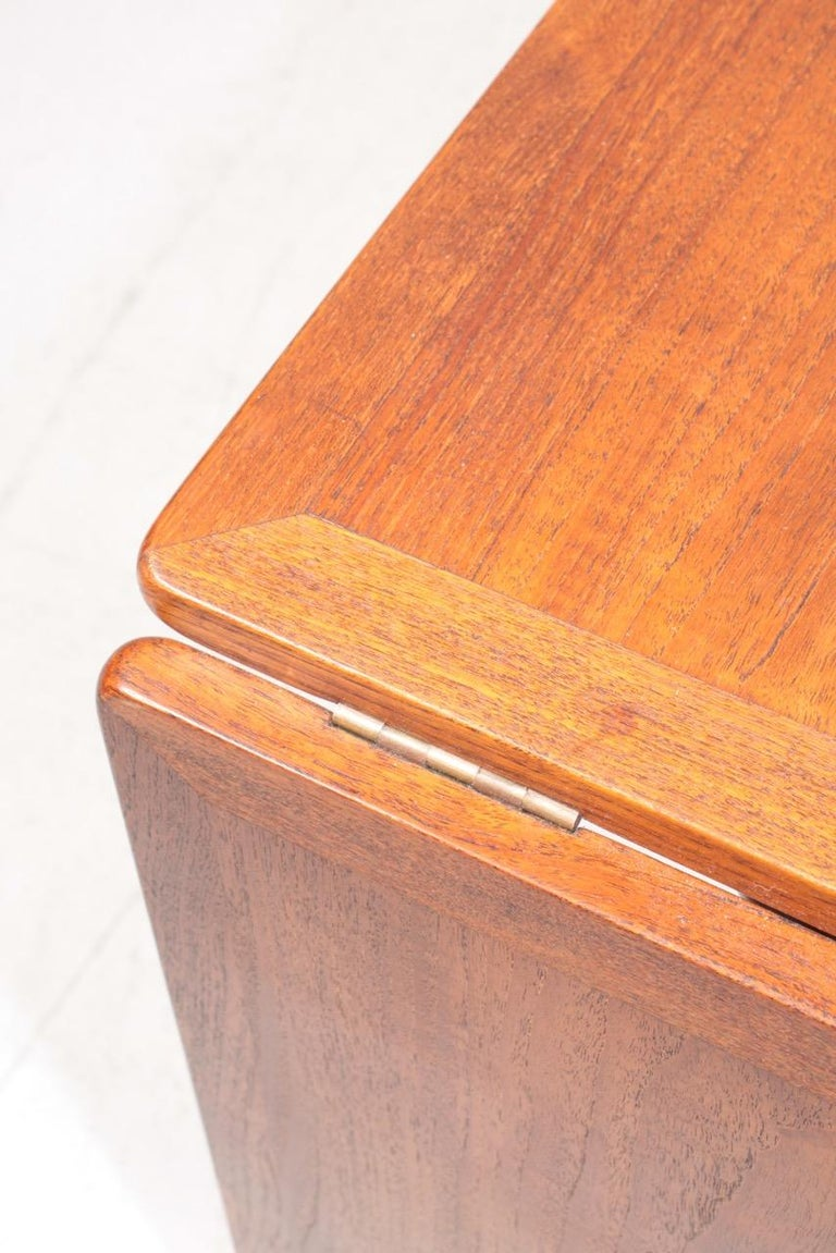 Mid-20th Century Midcentury Drop-Leaf Table in Teak Model l AT-304 by Hans Wegner, 1950 For Sale