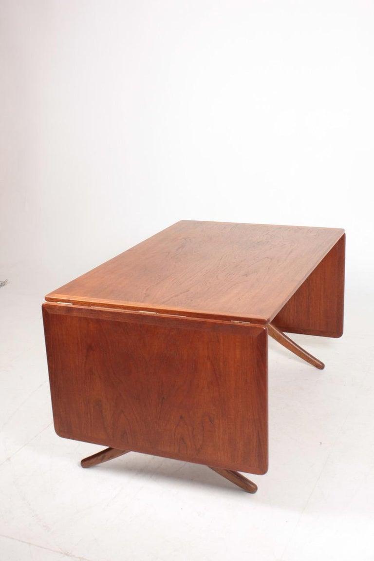 Midcentury Drop-Leaf Table in Teak Model l AT-304 by Hans Wegner, 1950 For Sale 1