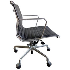 Midcentury Eames Aluminum Group Managment Chairs for Herman Miller