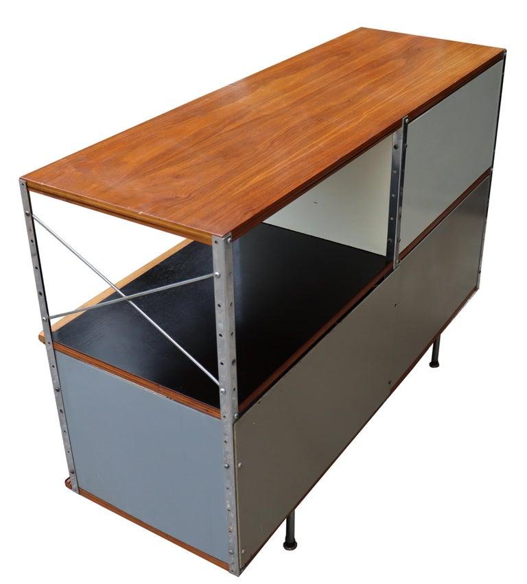 American Midcentury Eames ESU 200 for Herman Miller For Sale