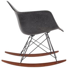 Midcentury Eames for Herman Miller Fiberglass Rocking Lounge Chair in Black