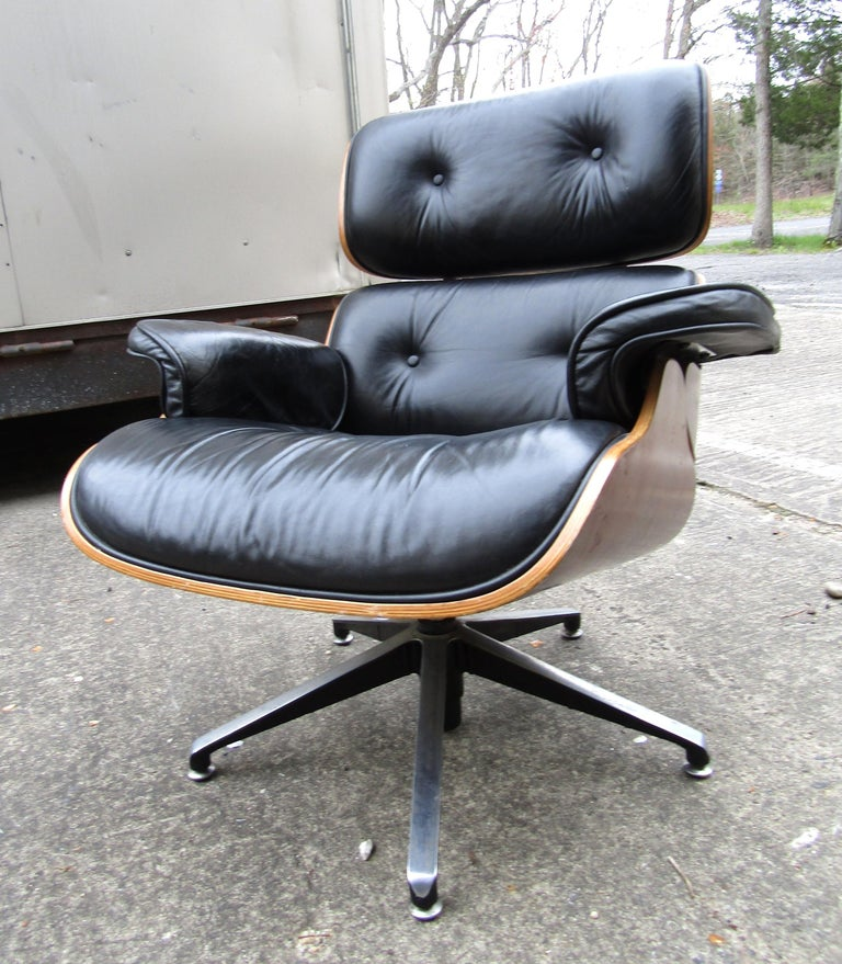 Walnut Midcentury Eames Style Swivel Lounge Chair and Ottoman For Sale