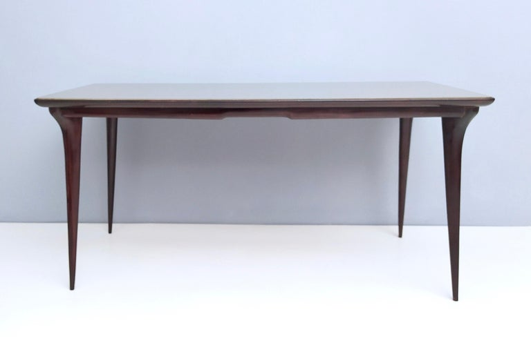 Midcentury Ebonized Beech Dining Table with a Taupe Glass Top, Italy In Excellent Condition For Sale In Bresso, Lombardy