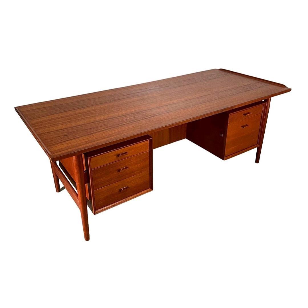 Midcentury Executive Desk in Teak by Arne Vodder for Sibast, Denmark circa 1960s