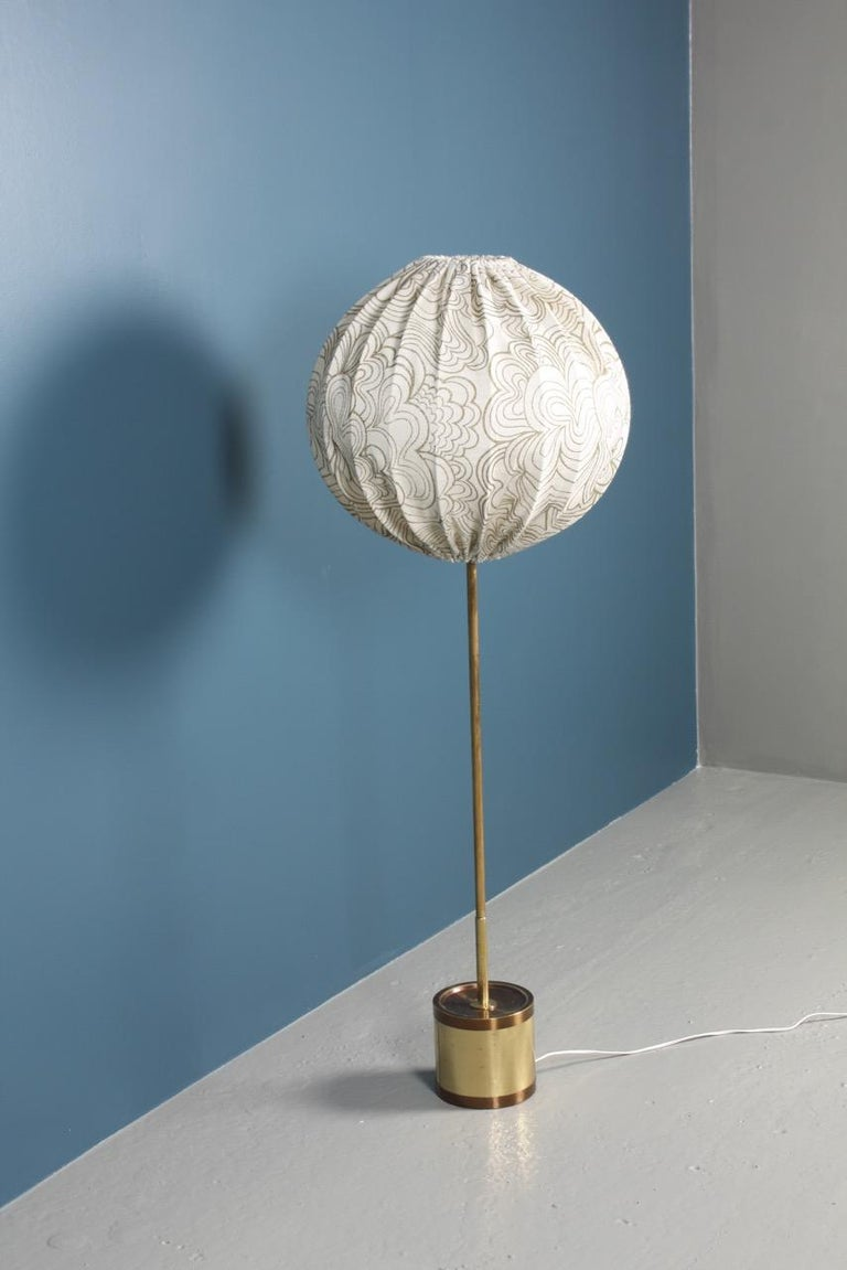 Floor light designed by Hans Agne Jacobsson and made for AB Markaryd. Great original condition.