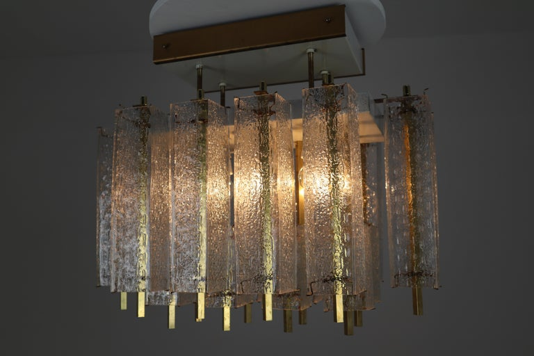 Midcentury Flush Mount Chandelier with Structured Glass and Brass Frame, 1960s For Sale 2