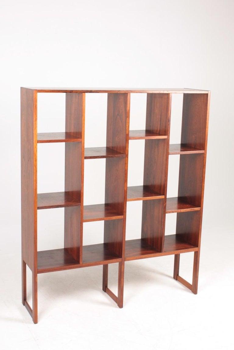 Scandinavian Modern Midcentury Freestanding Bookcase in Rosewood, Made in Denmark, 1960s For Sale