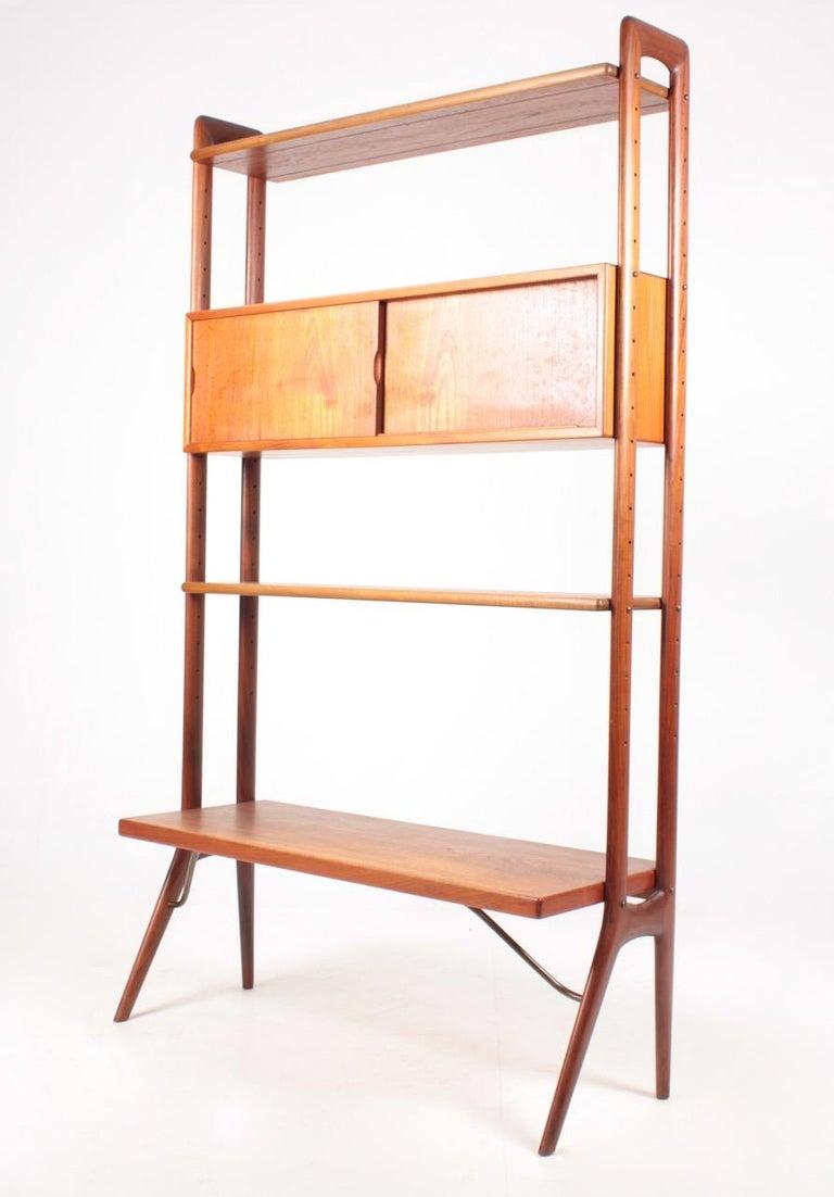 Danish Midcentury Freestanding Bookcase in Teak by Kurt Østervig, 1960s For Sale