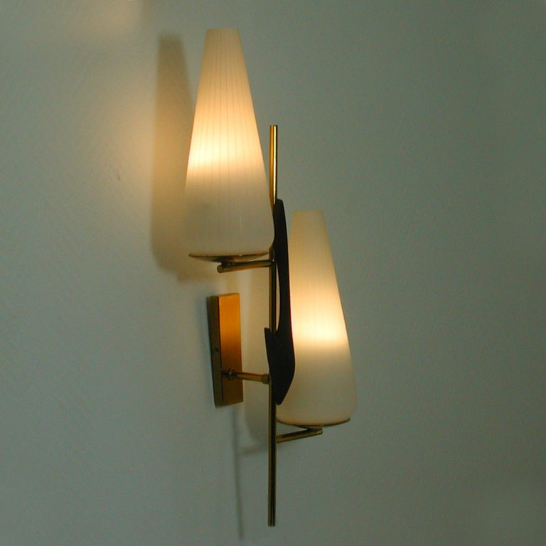 Midcentury French Brass and Opaline Glass Sconce by Maison Arlus, 1950s For Sale 4