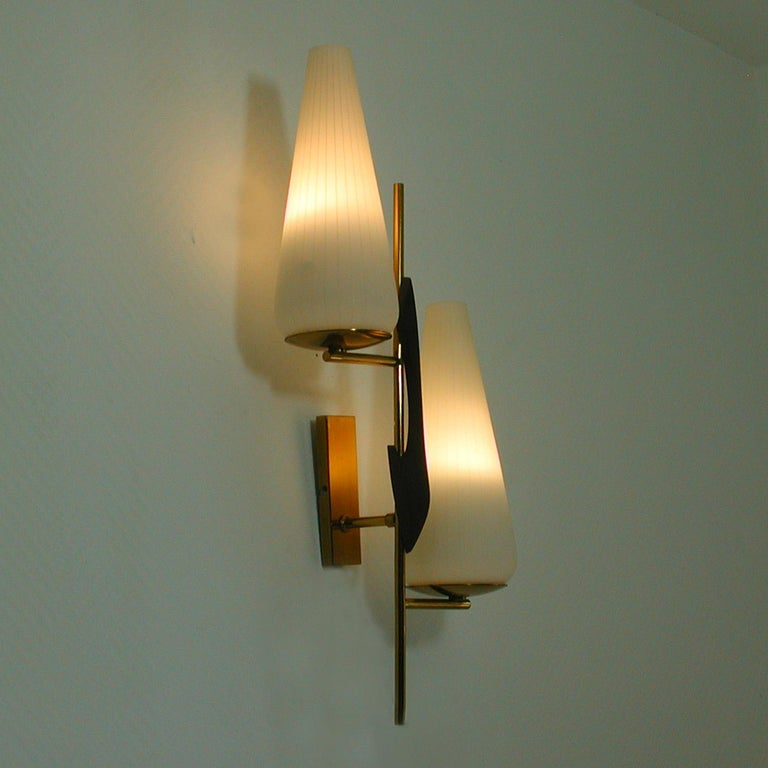 Midcentury French Brass and Opaline Glass Sconce by Maison Arlus, 1950s For Sale 5