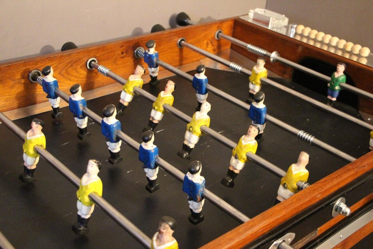 Midcentury French Foosball Table In Excellent Condition For Sale In Saint-Ouen, FR
