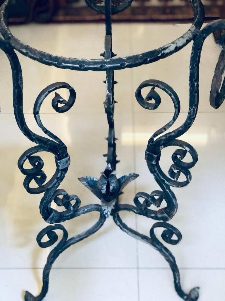 Midcentury French Handmade Wrought Iron Circle Jardinière or Table Base In Good Condition For Sale In , CH