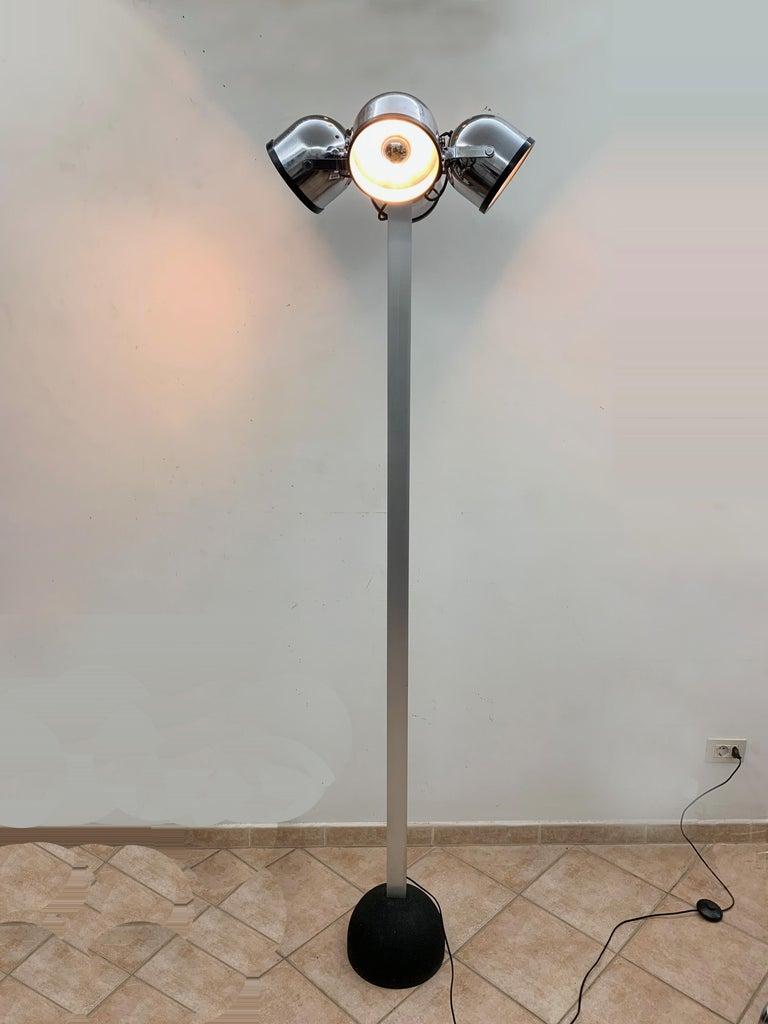 Midcentury Gae Aulenti and Livio Castiglioni Italian Floor Lamp for Stilnovo For Sale 2