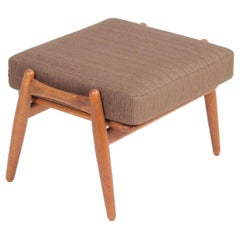 Midcentury Ge-240 Cigar Stool in Oak by Hans Wegner, 1960s