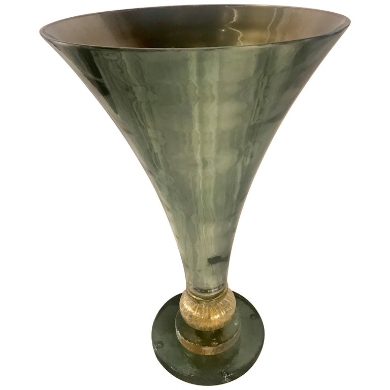 Midcentury Gio Ponti Style Italian Green Glass and Brass Table Lamp For Sale
