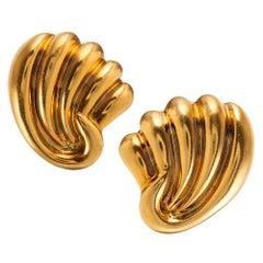 Midcentury Golden Shell Motif Earrings