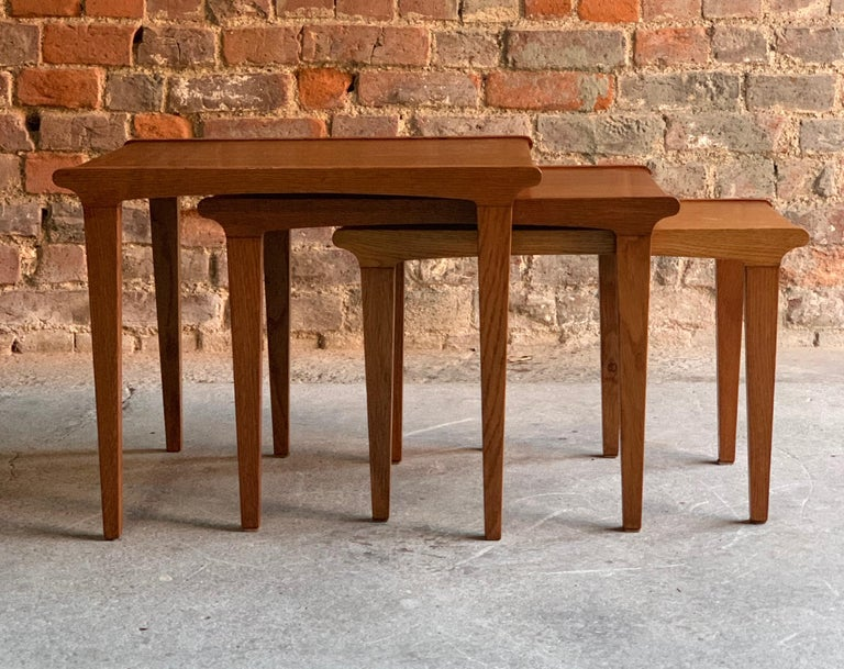 Midcentury Gordon Russell Nest of Tables Set of Three Oak, 1950s For Sale 2