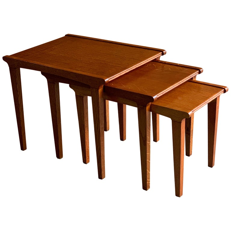 Midcentury Gordon Russell Nest of Tables Set of Three Oak, 1950s For Sale