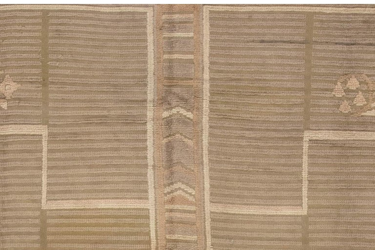 Midcentury High-Low Scandinavian Rug In Good Condition For Sale In New York, NY