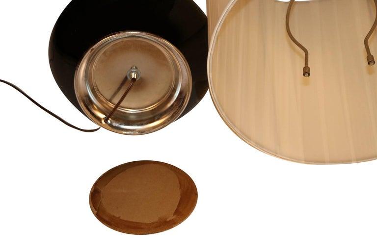 Midcentury Hollywood Regency Black Ceramic Chrome Table Lamp For Sale 3