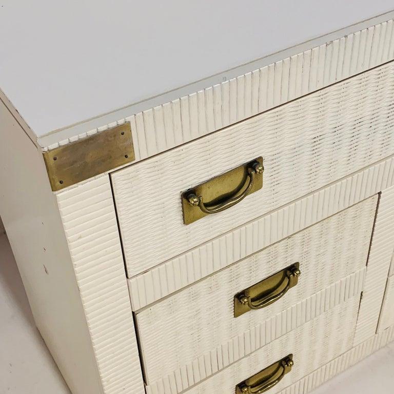 20th Century Midcentury Hollywood Regency Palm Beach White Wicker & Brass 8-Drawer Dresser For Sale