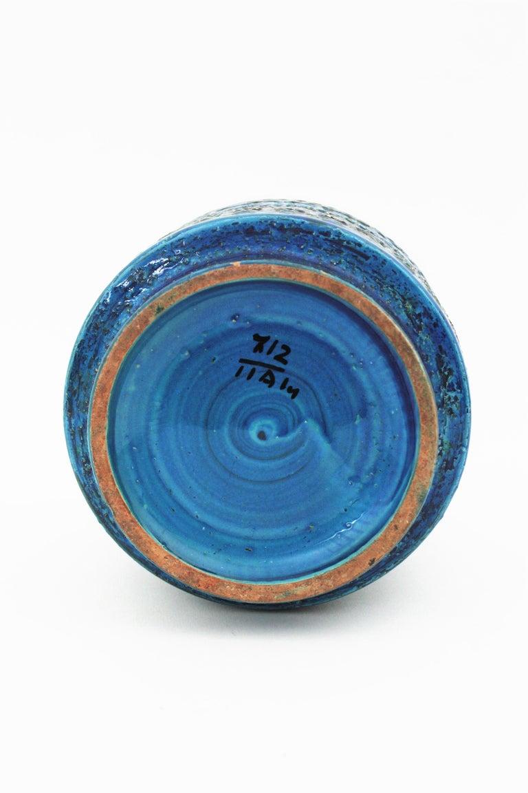 Midcentury Italian Aldo Londi for Bitossi Rimini Blue Glazed Ceramic Vase For Sale 5