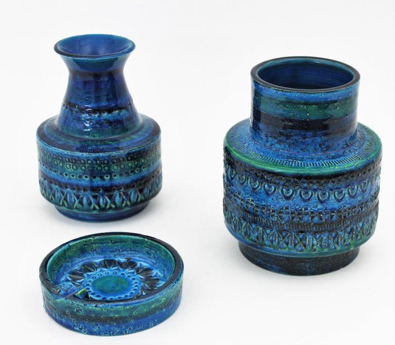 Midcentury Italian Aldo Londi for Bitossi Rimini Blue Glazed Ceramic Vase In Good Condition For Sale In Barcelona, ES