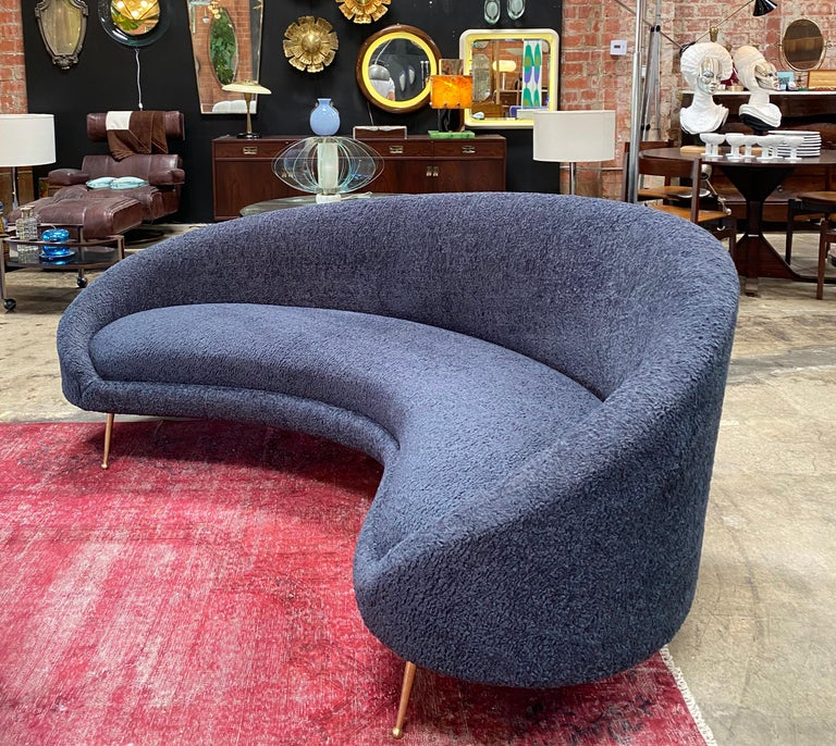 Midcentury Italian Blue Wool Sheep Curved Sofa by Federico Munari In Good Condition For Sale In Los Angeles, CA