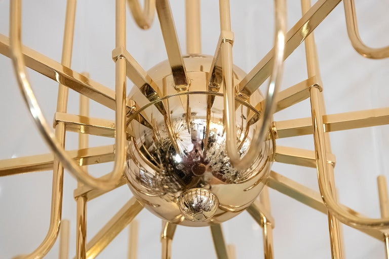 Hand-Crafted Midcentury Italian Brass and Glass Chandelier by Sciolari, circa 1960 For Sale