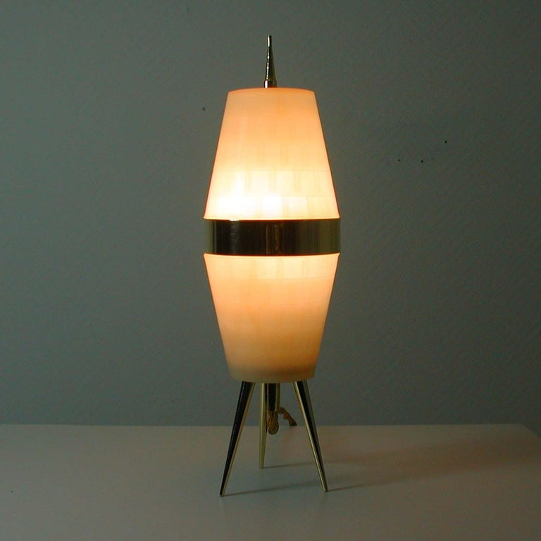 Midcentury Italian Brass and Plastic Sputnik Table Lamp, Stilnovo Style, 1950s For Sale 2