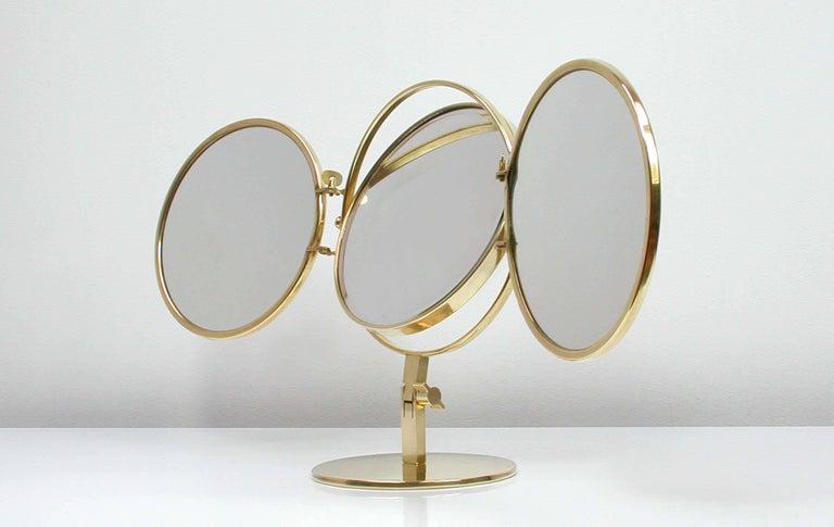 Midcentury Italian Brass Triple Folding Vanity Table Mirror, 1950s In Good Condition For Sale In Nümbrecht, NRW