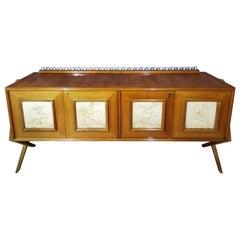 Midcentury Italian Cantù Sideboard in Beechwood and Multiform Feet, 1950s